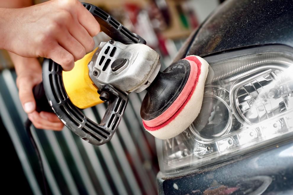 Cómo pulir faros coche