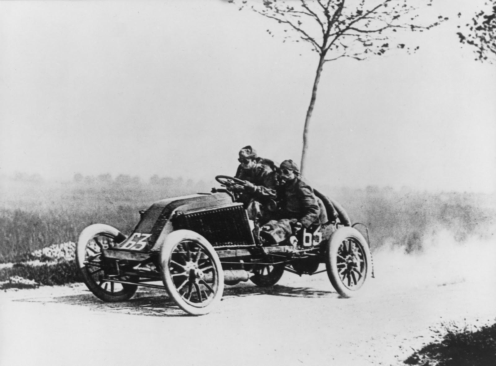 Primera carrera coches