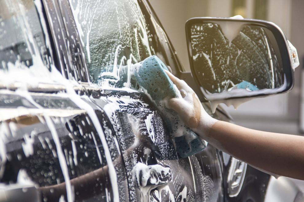 Cómo lavar coche sin dañarlo