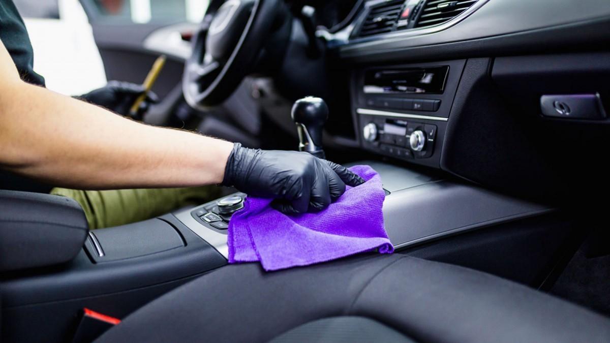 Lavar interior coche