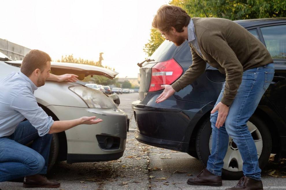 Qué hacer si choco contra coche que no tiene seguro